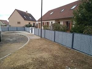 Lotissement avec clôture minérale