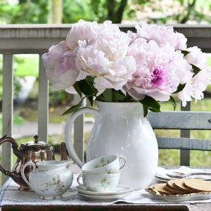 1-cedar hill farmhouse-flowers-on-table