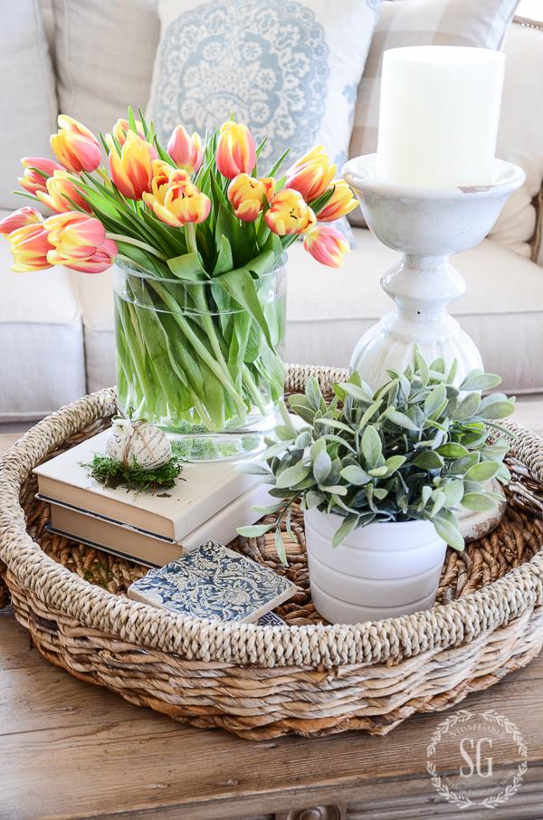 EASY SPRING VIGNETTE-Create a 10 minute easy spring vignette!