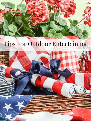 TIPS FOR OUTDOOR ENTERTAINING