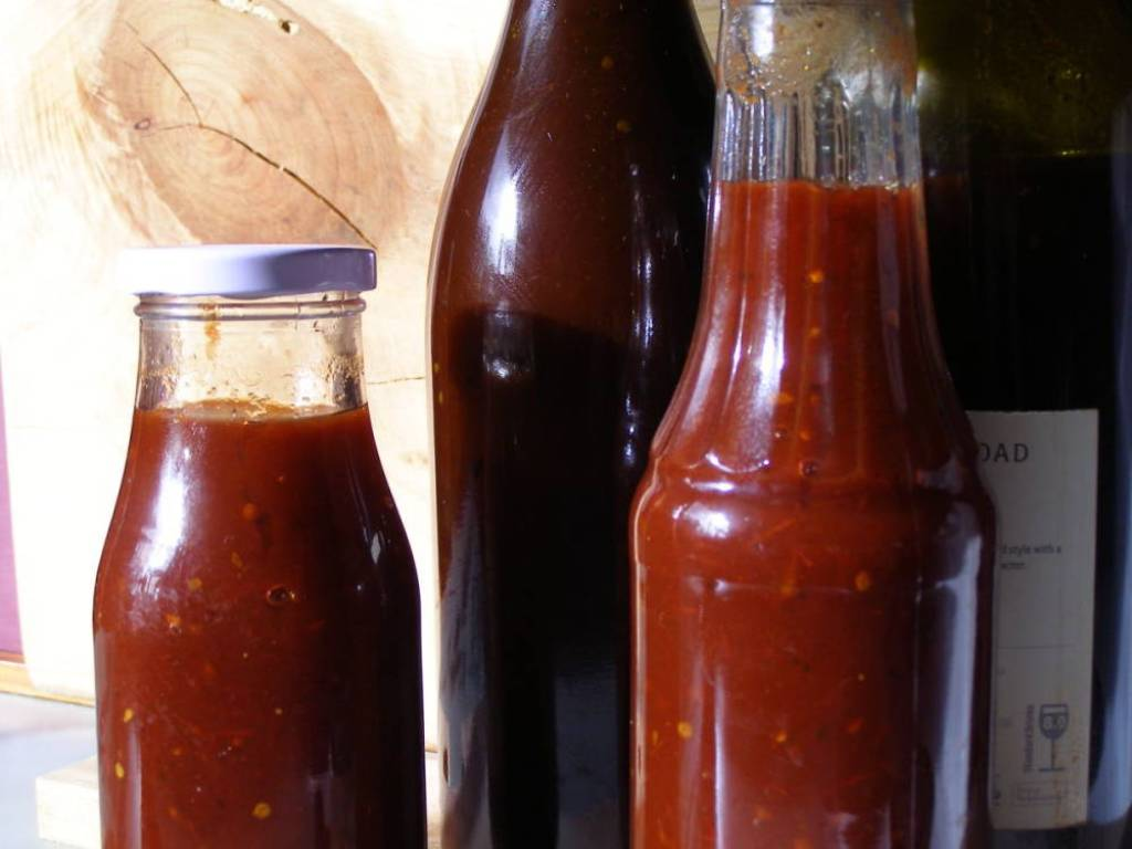 Black Russian Tomato Sauce recipe