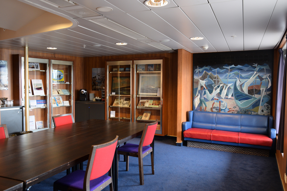 ss Nieuw Amsterdam in the Library
