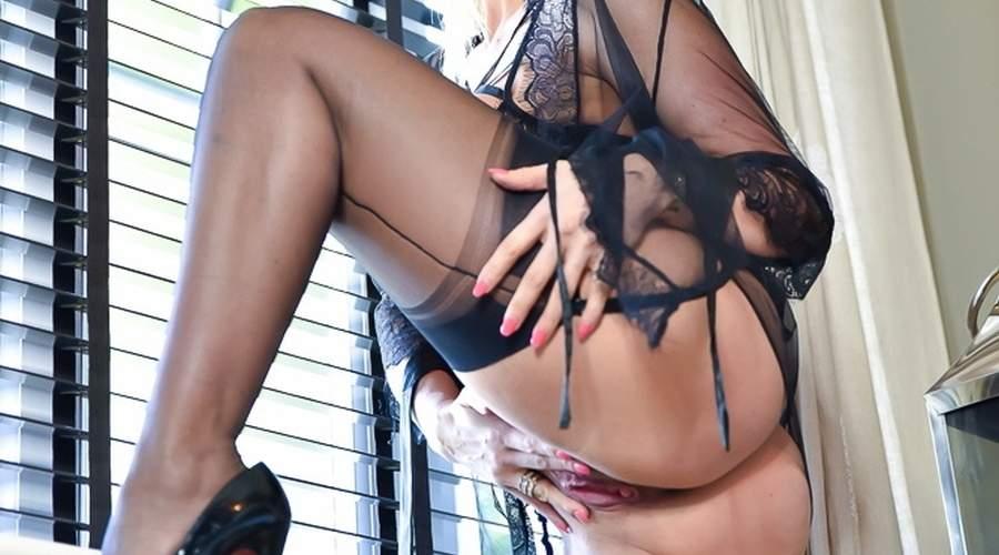 donna cougar super sexy incontri bei ragazzi