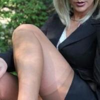 Donna cougar esibizionista e sexy incontra a Torino e Piemonte..