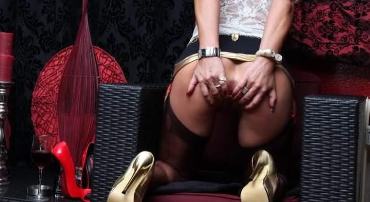 Annunci fetish Napoli, milf amante anal incontra bull