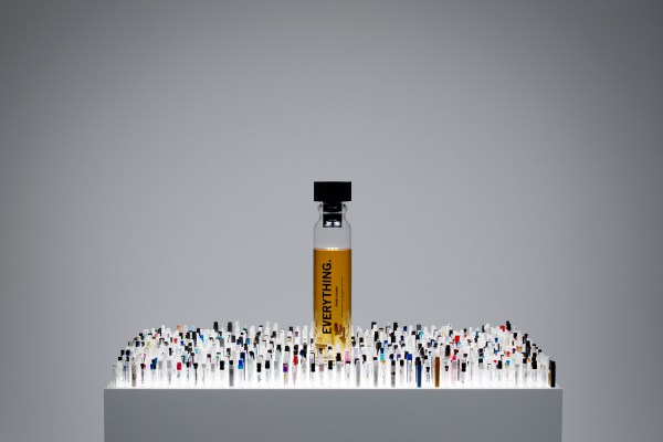 ini-jadinya-jika-1400-parfum-dicampur-jadi-satu4
