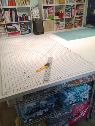 Adjustable Square Table