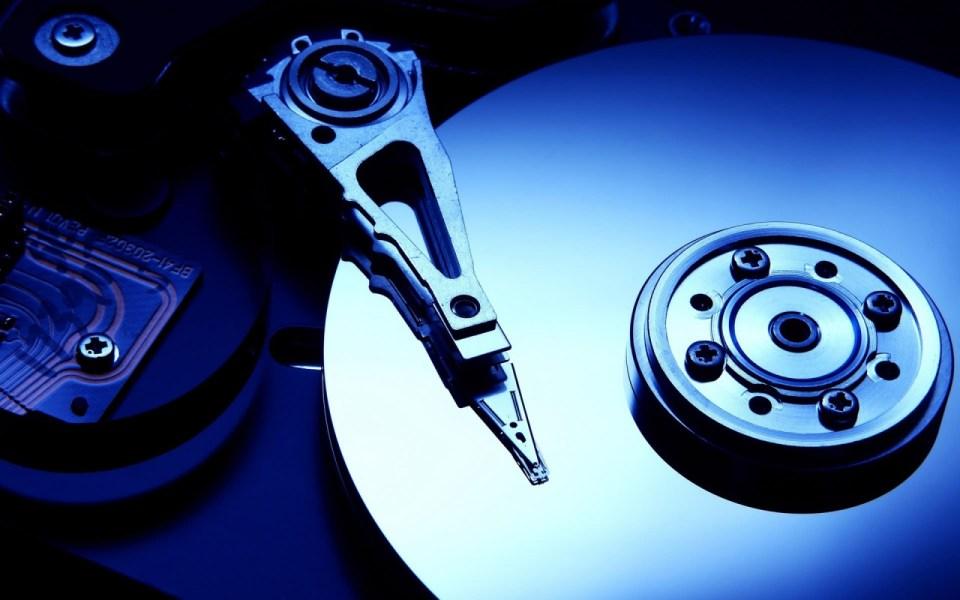 Cum să faci backup de fişiere şi sistem în trei paşi simpli