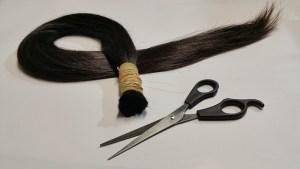 abgeschnittene Haare Haarspende Haarausfall