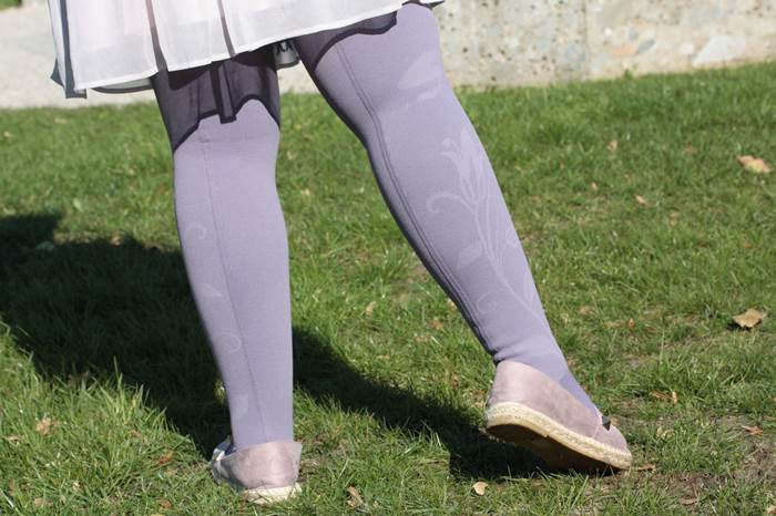 Kompression-medi-lila-Flower-Lipödem-Outfit-Inspiration