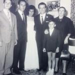 Foto di gruppo con Nicola a 9 anni_Ultima a destra la mamma Elisa_Primo e secondo da sinistra il fratello Luigi oggi cuoco a Francoforte e il papà Giuseppe