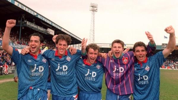 Quando il piccolo Oldham Athletic demolì il Forest di Brian Clough 5-3