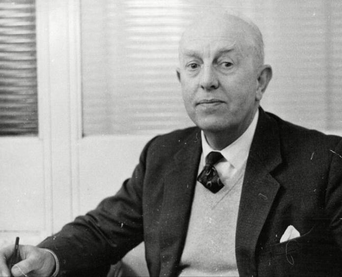 """Charles Reep, l'inventore del """"Palla avanti e pedalare"""" in salsa british"""