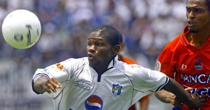 Núñez con la maglia della Nazionale
