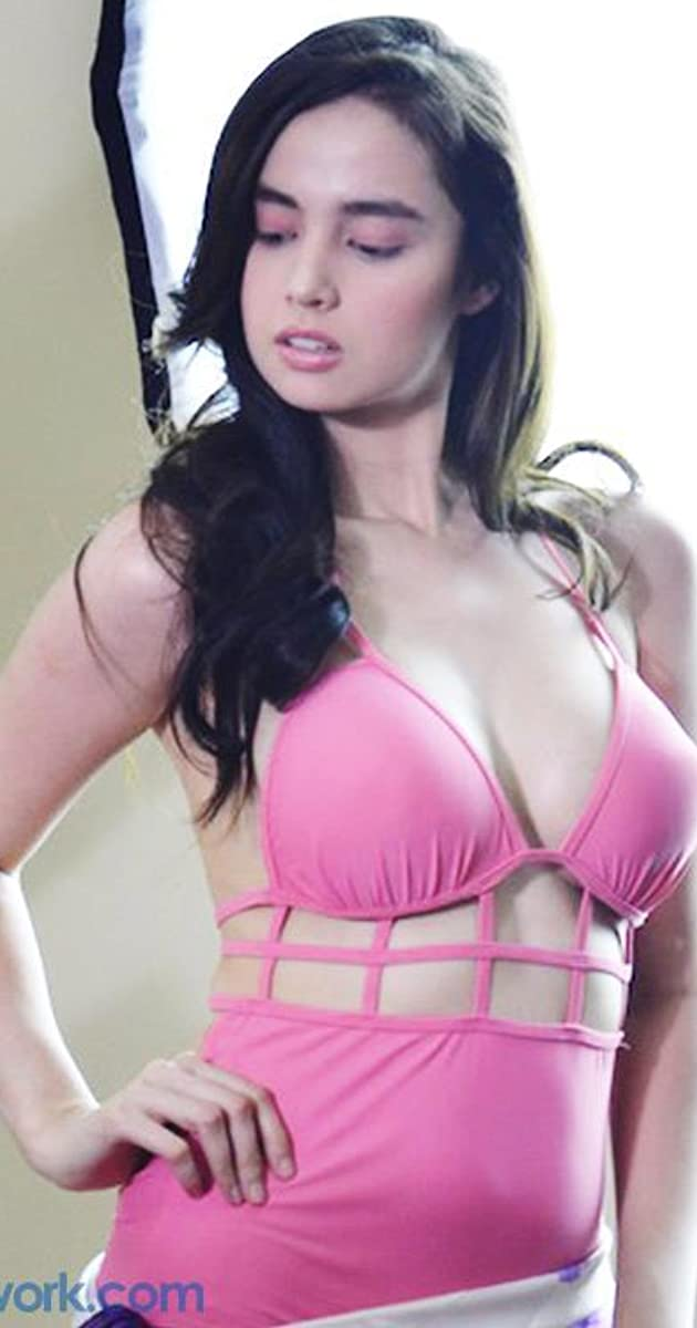 "Celebrity: Kim Domingo<span class=""rating-result after_title mr-filter rating-result-17425"">	<span class=""mr-star-rating"">		    	<span class=""mr-custom-full-star""  width=""20px"" height=""20px""></span>    	    	<span class=""mr-custom-full-star""  width=""20px"" height=""20px""></span>    	    	<span class=""mr-custom-full-star""  width=""20px"" height=""20px""></span>    	    	<span class=""mr-custom-half-star""  width=""20px"" height=""20px""></span>    	    	<span class=""mr-custom-empty-star""  width=""20px"" height=""20px""></span>    	</span><span class=""star-result"">	3.33/5</span>			<span class=""count"">				(3)			</span>			</span>"