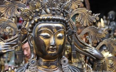 The arts and crafts of Beijing's Panjiayuan Market