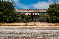 Abandoned_Building_Computers