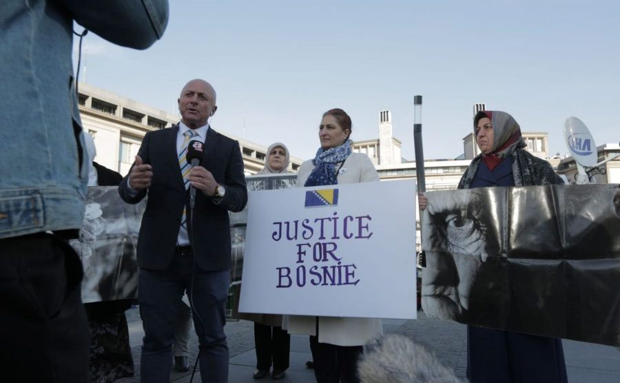 Mladićevi branioci protiv Mladićevih tužilaca na Beldocsu / Beldocs promo