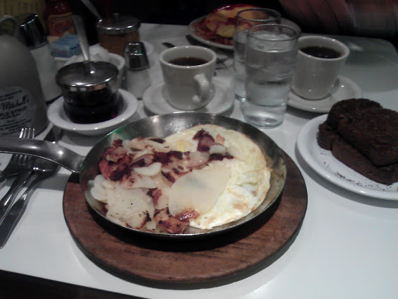 route 66 - Lou Mitchell's skillet