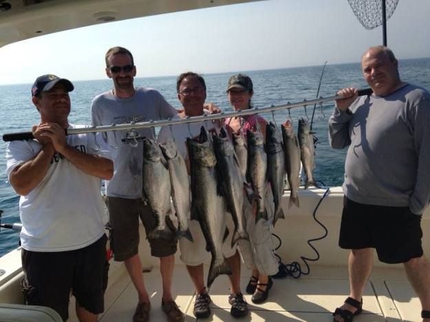 Charter fishing group shot - catch of the day2