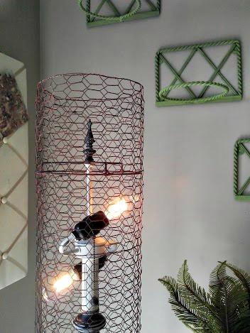 diy chicken wire lamp shade-StowandTellU