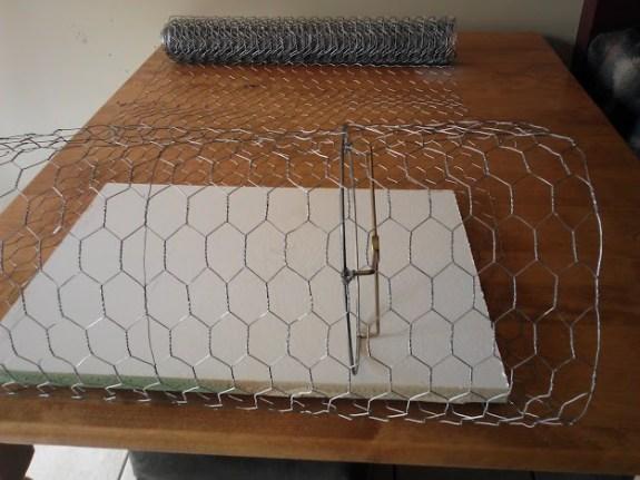 Diy Chicken Wire Lamp Shade Stow Amp Tellu