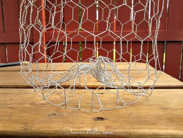 How to make a chicken wire pumpkin