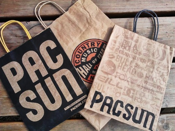 bouttque or souvenir bags