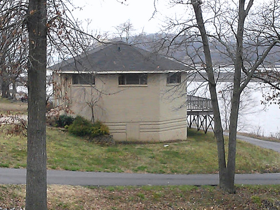 kentucky lake house-LBL-StowandTellU