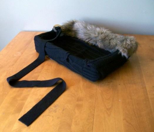repurposed-sweater-to-cat-bed