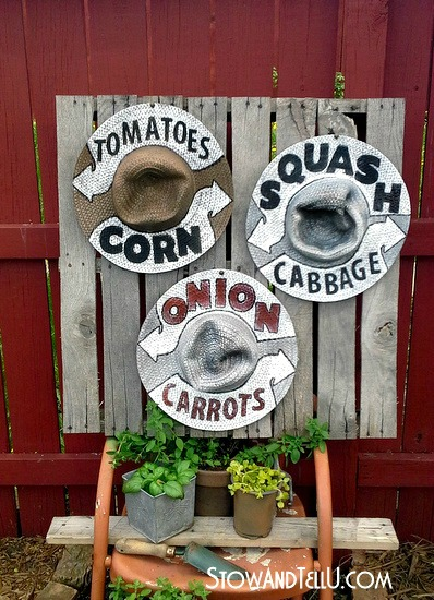straw-hat-farm-stand-signs