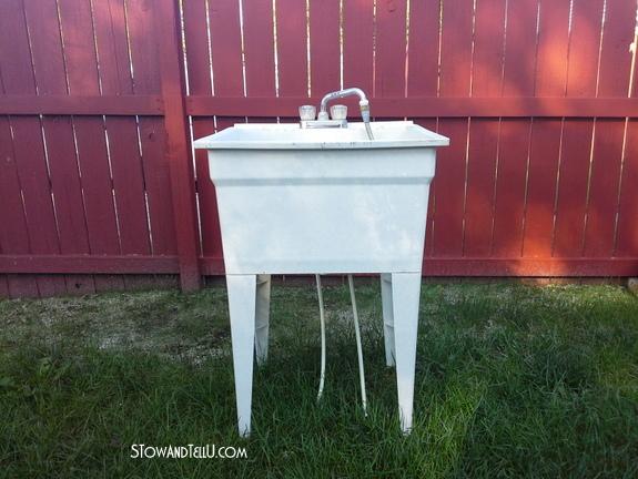 plastic-laundry-tub