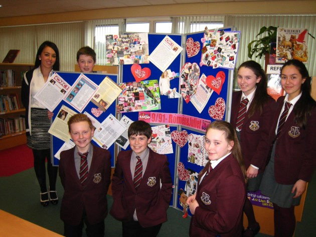 09/091 with Miss Carroll with their project work