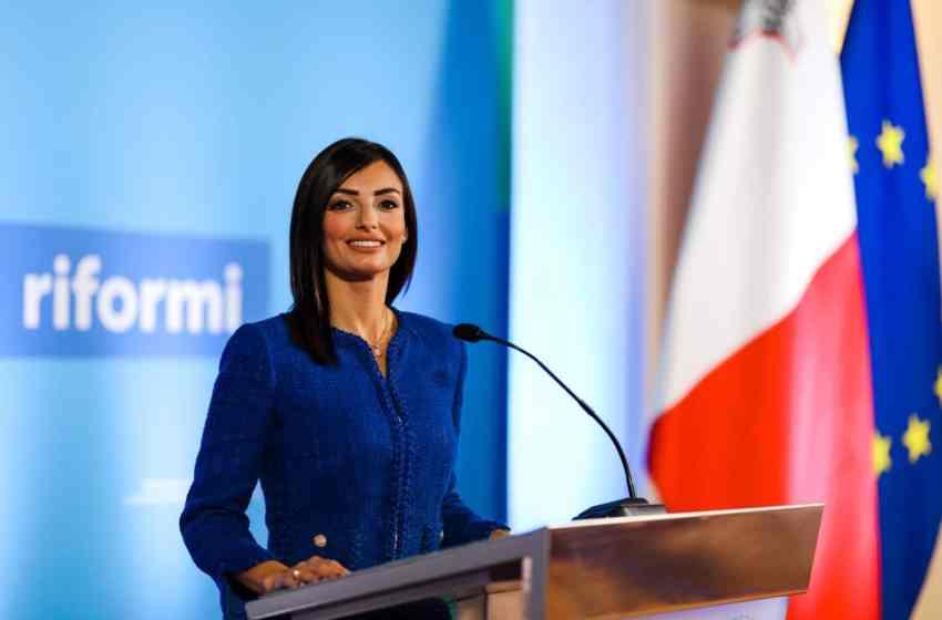 """""""Iddeċidejt li noffri r-riżenja tiegħi minn Segretarju Parlamentari pendenti l-eżitu tal-proċess"""" – Rosianne Cutajar"""