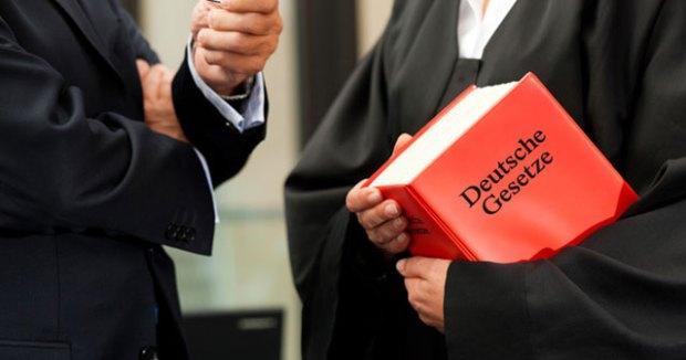 Einstellung, Unschuldsvermutung, 153a StPO, Schuldfeststellung, Schuld, Angeklagter, Geständnis, prozesstaktisch, Verfahrenseinstellung, BVerfG, BGH