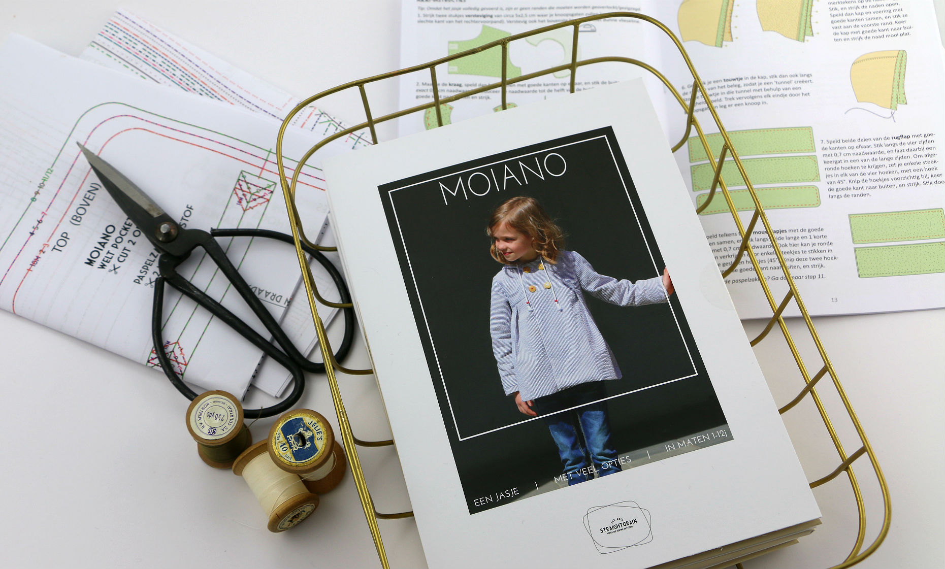 Moiano paper pattern (English)