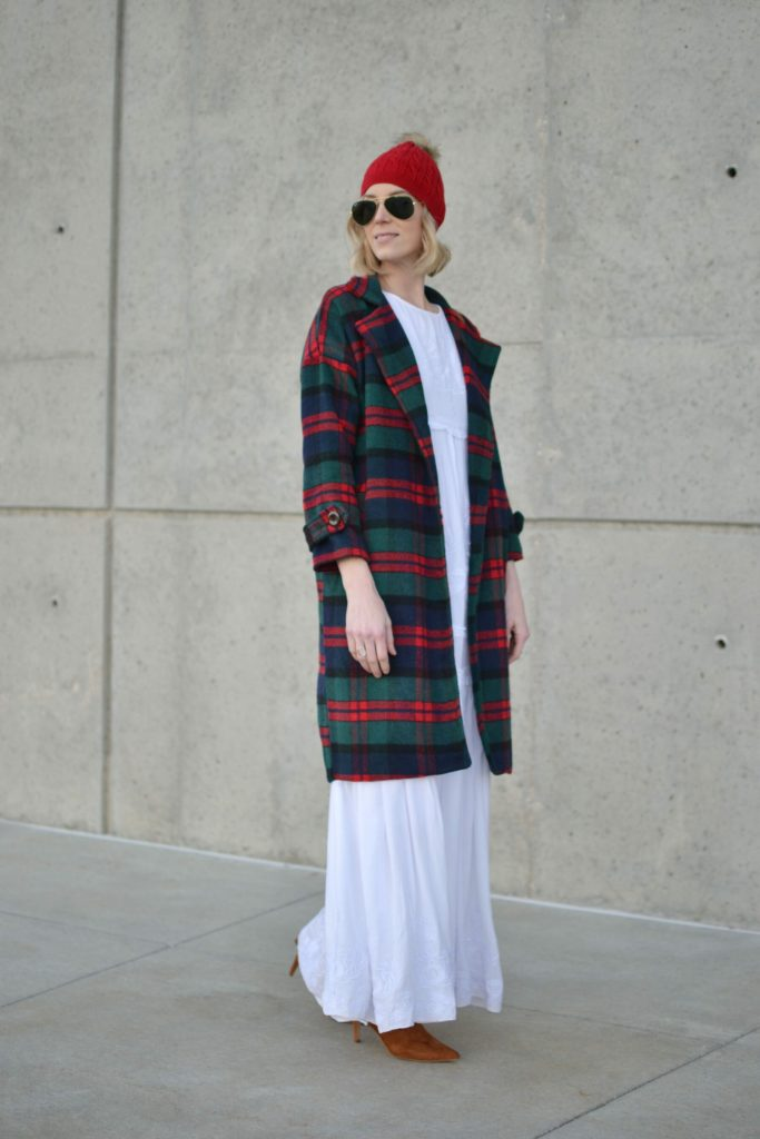 Oasap white boho maxi dress, chloe dupe bag, fringe boots, plaid coat, red beanie, ray-bans
