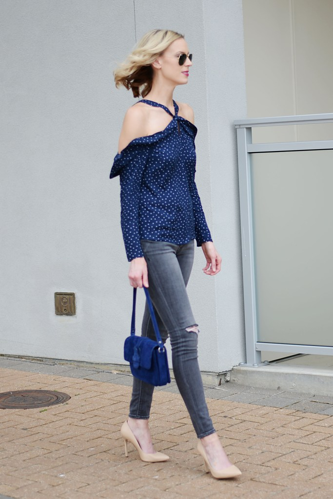 going out outfit idea, date night look, girls night out, navy blue top with grey jeans