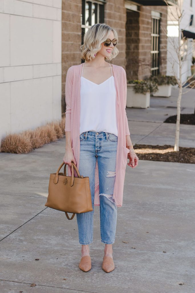 pink and white casual outfit for spring