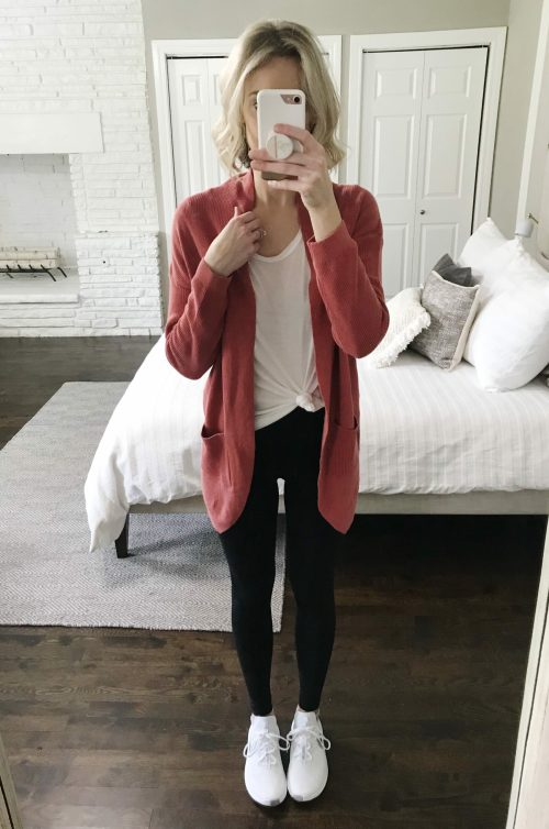 how to wear leggings casually and the best long tops for them; leggings with a cardigan