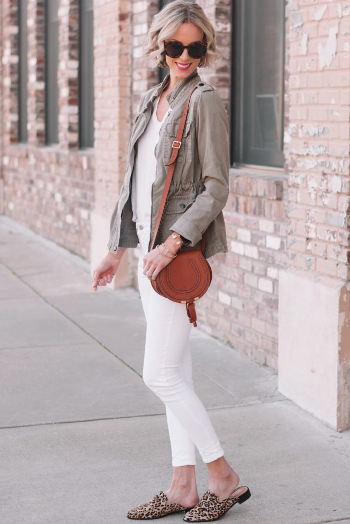all white with utility jacket and leopard slides, how to mix and match your wardrobe