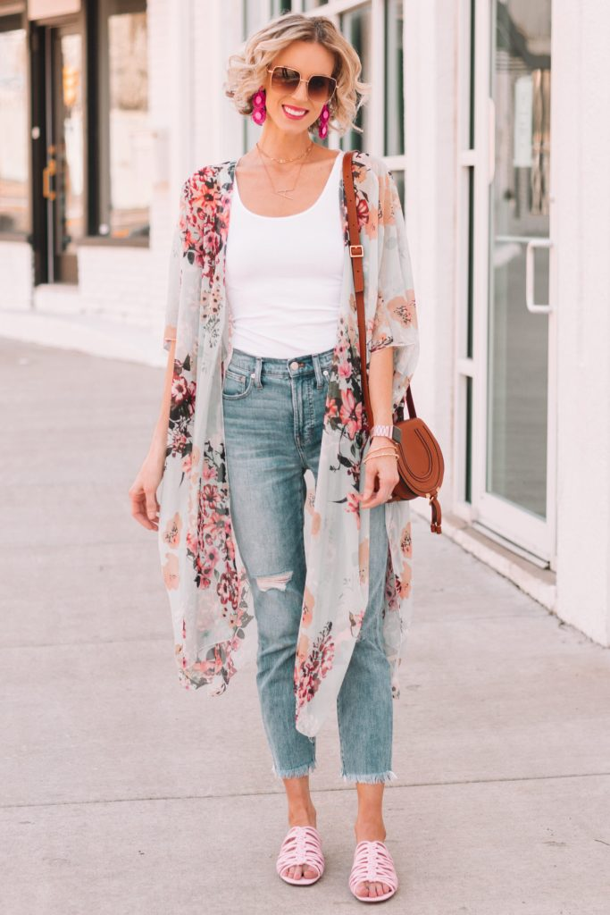 cropped jeans with cute pink sandals, kimono, straight leg jeans, how to wear straight leg jeans