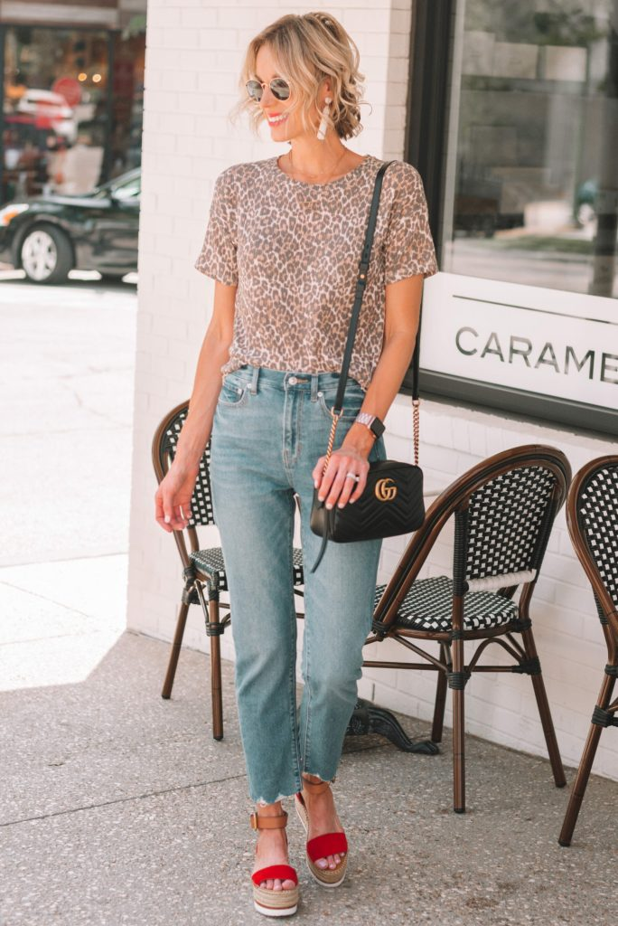 cute and casual outfit, leopard t-shirt