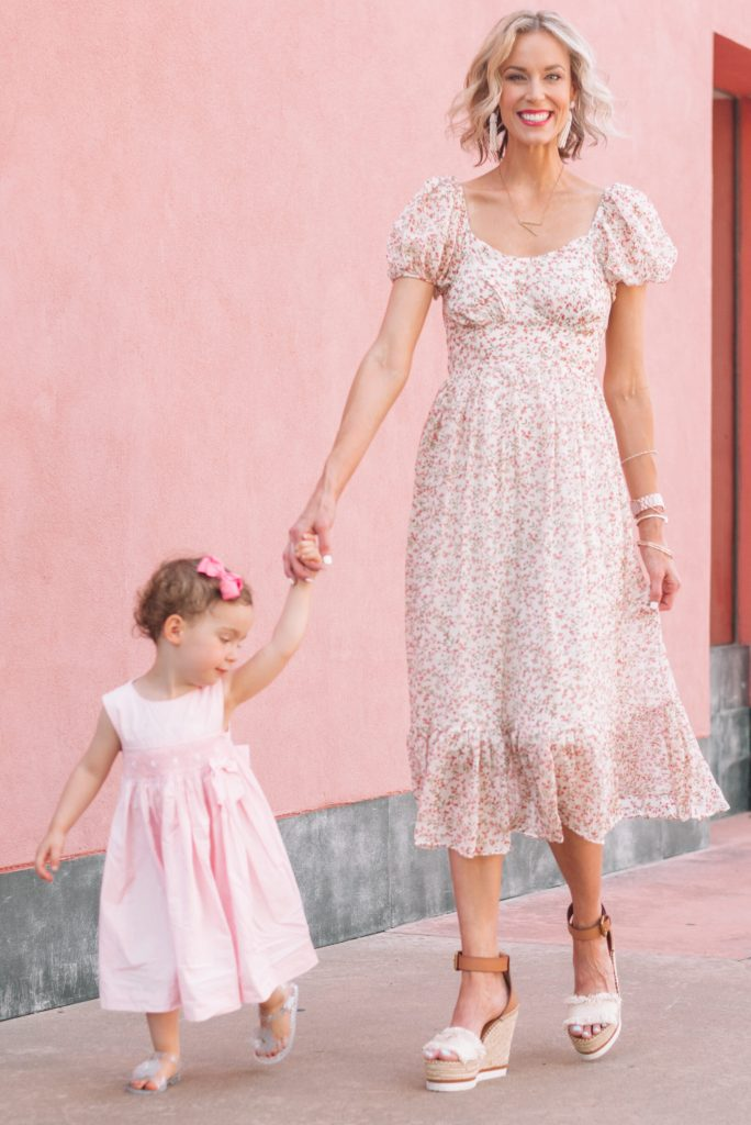 mommy daughter pic in cute pink summer dresses