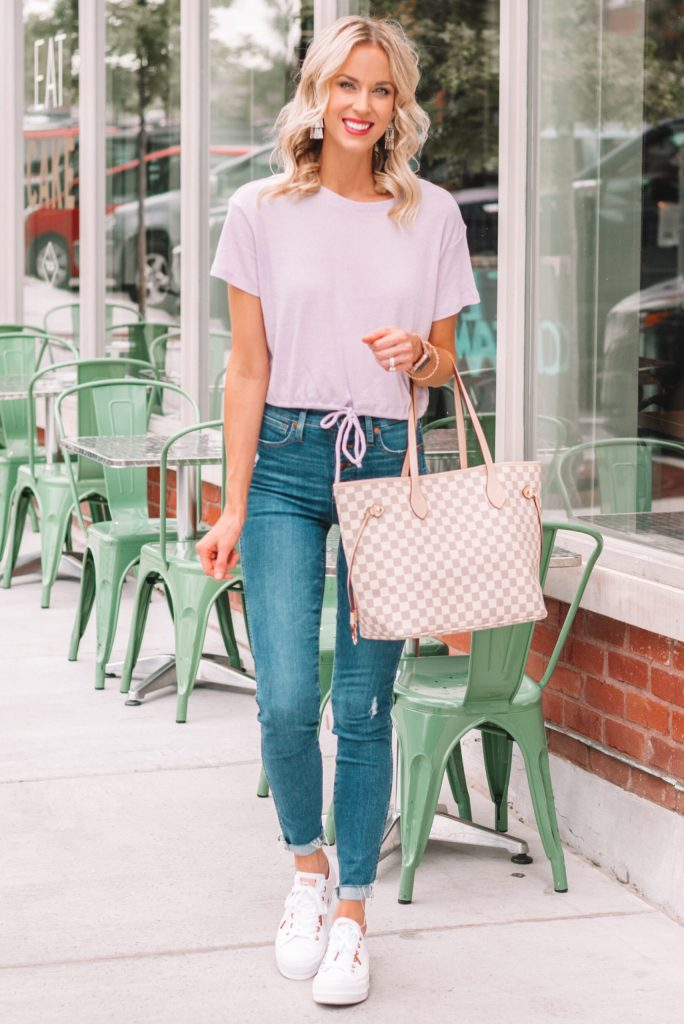 converse outfit, casual mom outfit, cinch front top