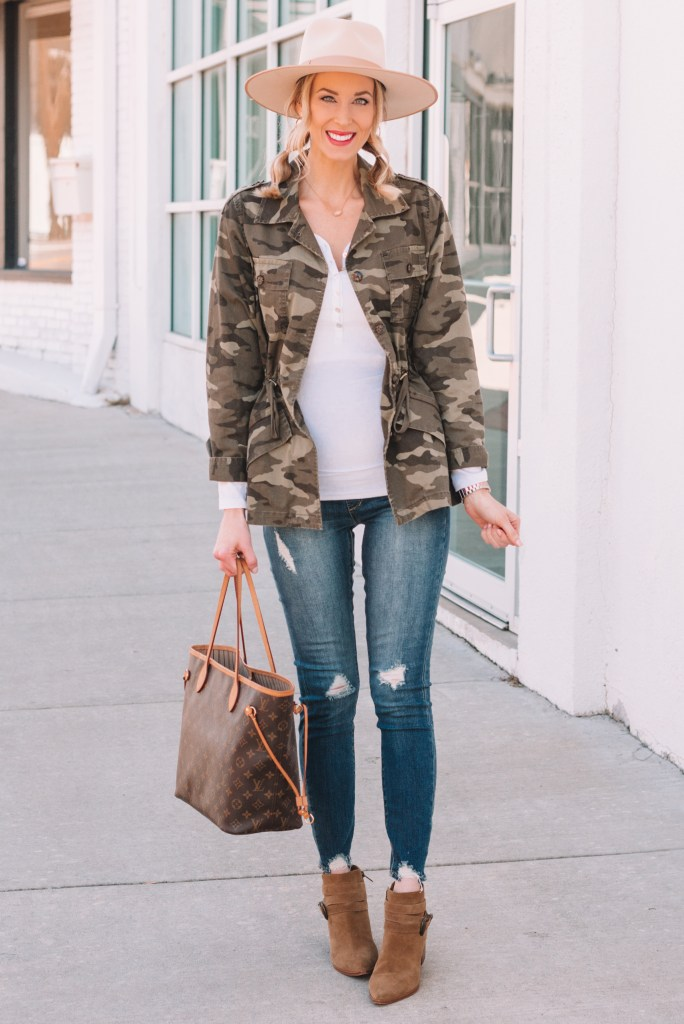 camo utility jacket outfit