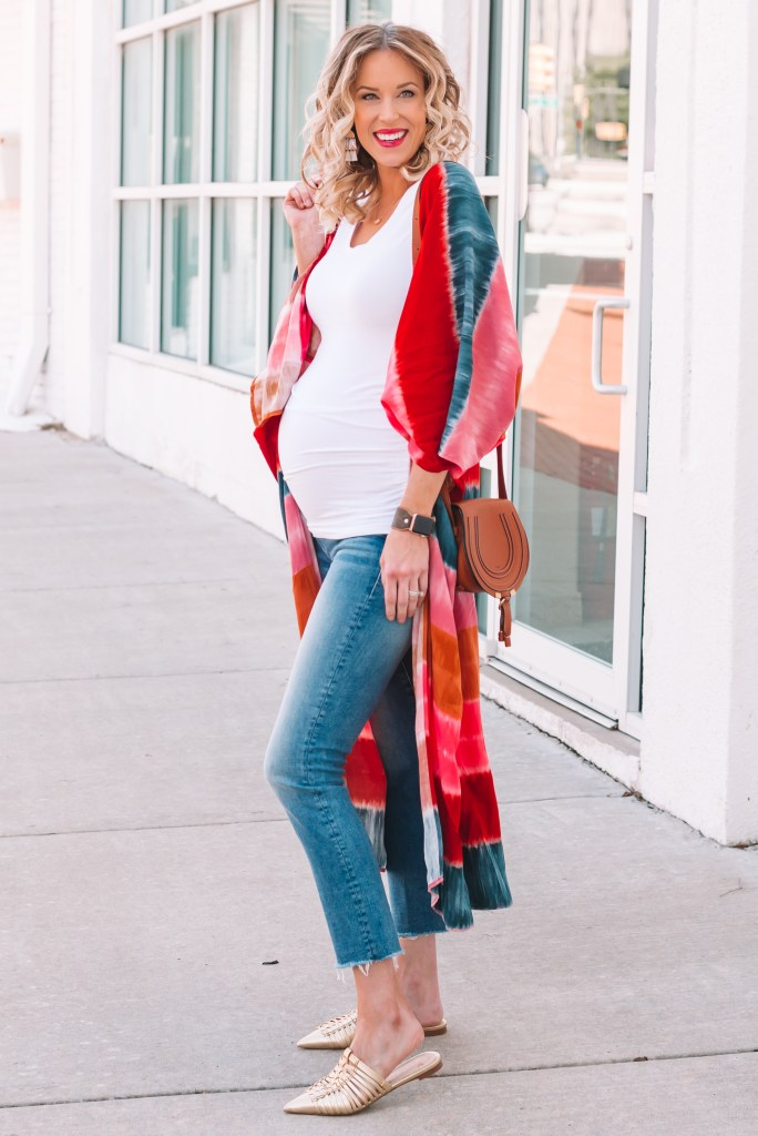 the best straight leg maternity jeans, maternity outfit, tie dye kimono, kimono outfit, mules, slides, jeans and kimono