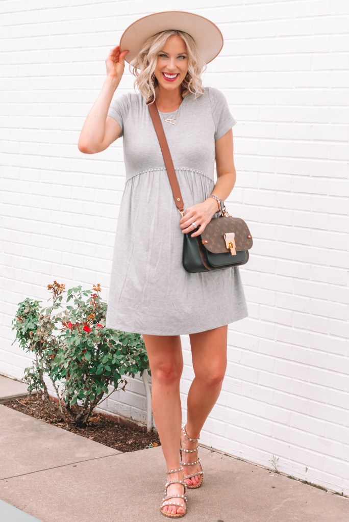 I am in love with this casual cotton dress from Pink Blush. The material is super soft and comfortable not to mention bump flattering.