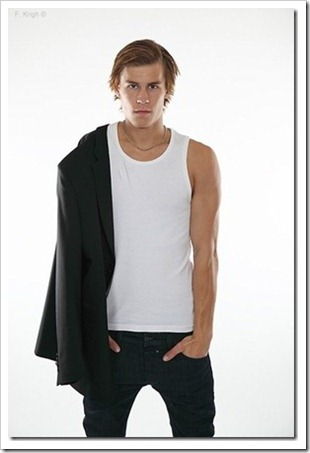 swedish male model andreas tano (91)_thumb