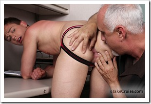 Kyler Ash Serviced by Jake (7)